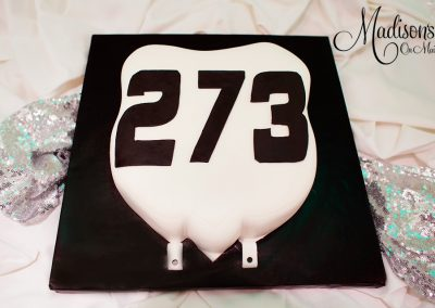Madisons_On_Main_Cakes_Grooms_Cakes-016