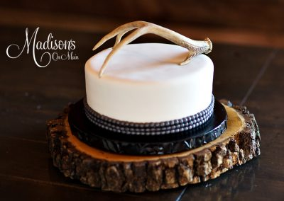 Madisons_On_Main_Cakes_Grooms_Cakes-036