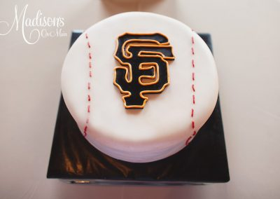 Madisons_On_Main_Cakes_Grooms_Cakes-047