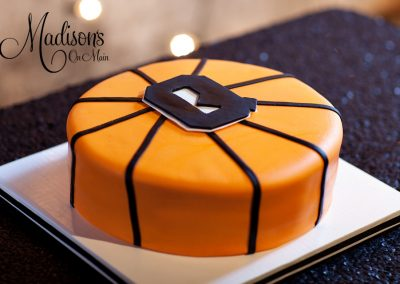 Madisons_On_Main_Cakes_Grooms_Cakes-052