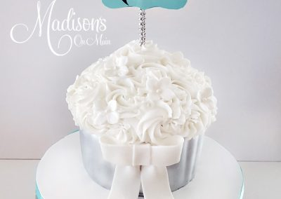 Madisons_On_Main_Cakes_Special_Occasion-073