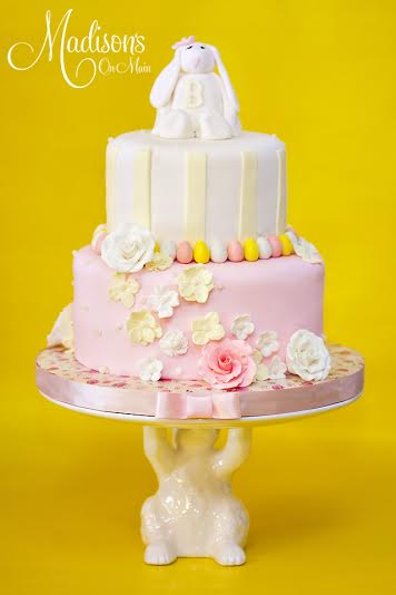 Madisons_On_Main_Cakes_Special_Occasion-128