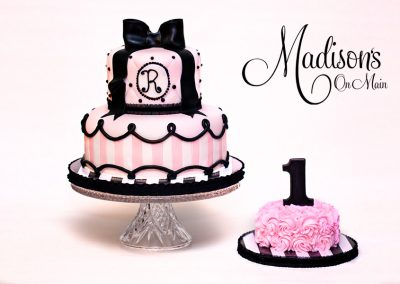 Madisons_On_Main_Cakes_Special_Occasion-165