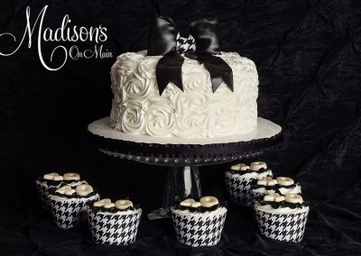 Madisons_On_Main_Cakes_Special_Occasion-170