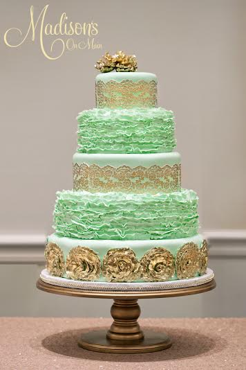 Madisons_On_Main_Cakes_Wedding-200