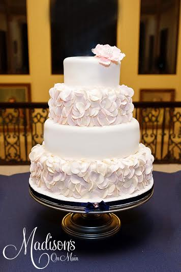 Madisons_On_Main_Cakes_Wedding-232