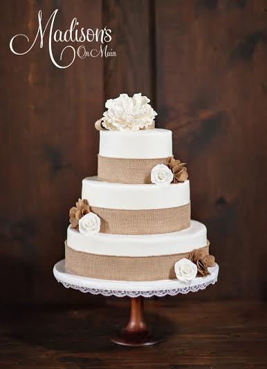 Madisons_On_Main_Cakes_Wedding-240